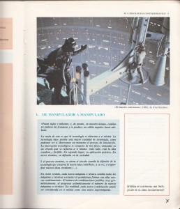 """Nuestro libro de Religión de 3º de B.U.P. y sus fotos de """"El Imperio Contraataca"""". ¡Genial! Aquí con una escena ya mítica del cine…"""