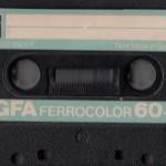 La cassette o el cassette.Cara A y B.Rebobinado con el boli BIC,tapar los huecos con cinta adhesiva para poder grabar canciones de la radio (cabreándose cuando hablaba el locutor). Esta sería de las buenas.